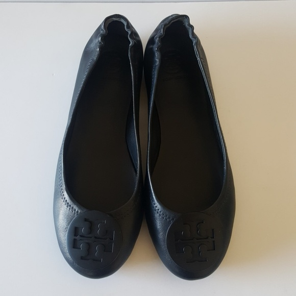 e210bbbd6 Tory Burch Minnie Travel Ballet Flats. M 5b341d69409c15ce946316c8